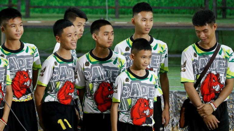 Los chicos rescatados hablaron con la prensa por primera vez (AP).