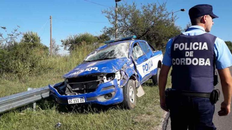 Un móvil dio varios tumbos el pasado 14 del corriente en la ruta 5, cerca de Villa General Belgrano. El conductor terminó lesionado.