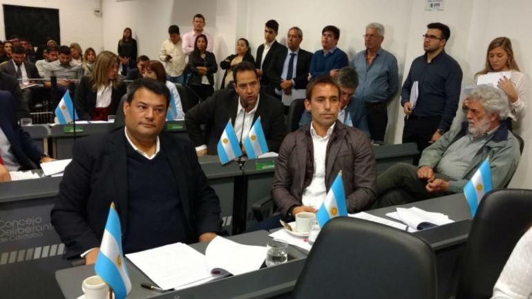 Sin los votos, la ordenanza anti Uber vuelve a comisión (Ramiro Pereyra).