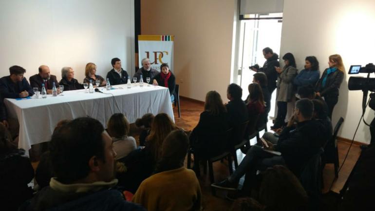 Conferencia de prensa sobre el hallazgo arqueológico en la Universidad Provincial de Córdoba (Nicolás Bravo).
