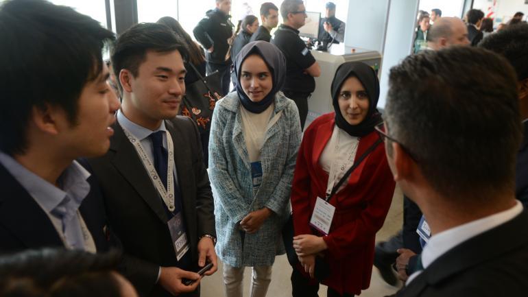 Diversidad. El Y-20 reunió a jóvenes de diferentes culturas. (José Hernández)