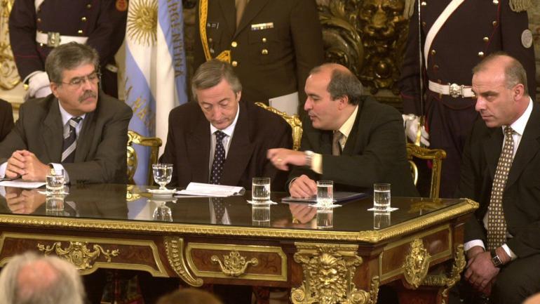 De Vido, Kirchner, José López y Uberti, en 2007 (Archivo/DyN).