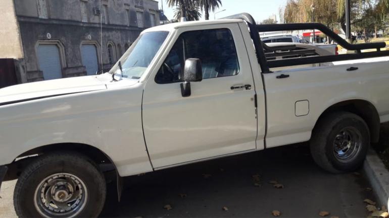CAMIONETA. Hallada (Policía de Córdoba).