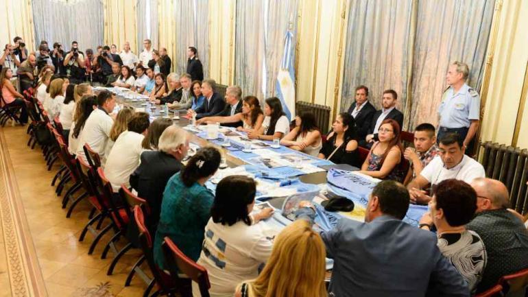 El encuentro entre Macri y los familiares.