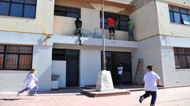 La escuela Provincia de Corrientes, de barrio Escobar, arrancó con obras. (Antonio Carrizo)