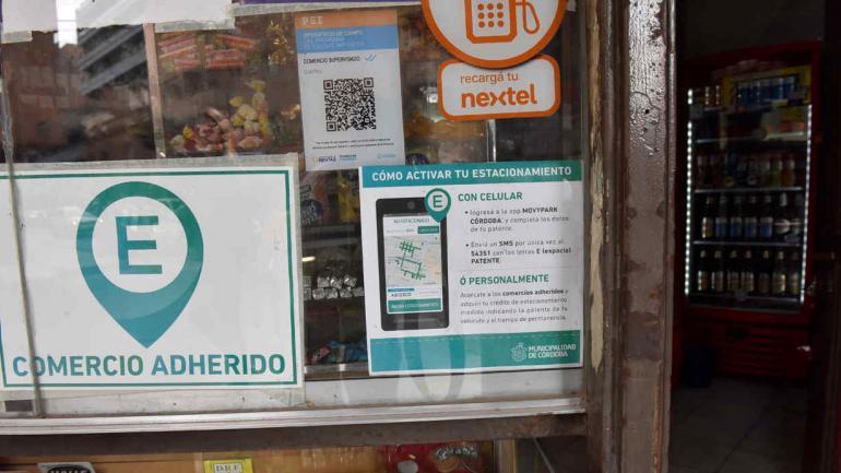 ADECUACIÓN. La medida es para ajustar el software de la concesionaria del estacionamiento medido (Raimundo Viñuelas / Archivo).