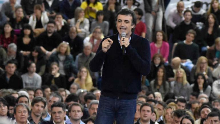 ESTEBAN BULLRICH. En la campaña a senador de 2017 (La Voz / Archivo).