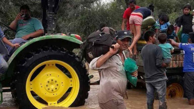 """Las autoridades sugirieron a toda la población en riesgo que agilice los medios para evacuar sus casas, ya que """"no se puede predecir el impacto de las inundaciones"""". (Foto: El Tribuno)"""