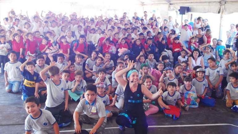 Vecinos, escolares y visitantes disfrutaron de las instalaciones del predio, la sala sensorial, charlas, música, relatos y títeres (Municipalidad Estación Juarez Celman)