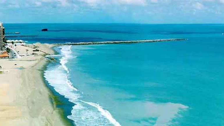 """""""Caribe"""" brasileño. Las playas son conocidas por su arena fina y mar templado."""