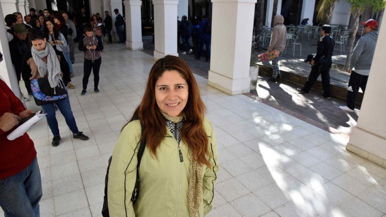 Wilfry es oriunda de Bolivia y quiere encontrar un trabajo. Está interesada en el curso de buenas prácticas en manipulación de alimentos.