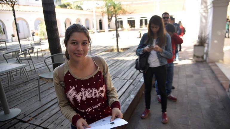 Micaela ya estudia en la Escuela de Nutrición, pero también quiere realizar un curso de oficios.