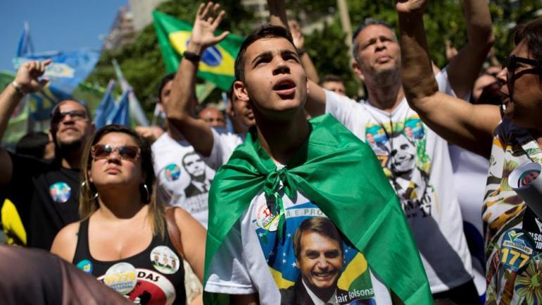 Bolosnaro saludó a Macri, que terminó con la 'Dilma Kirchner'