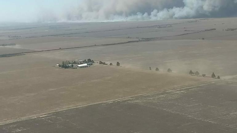 El incendio rural mayor de este miércoles, desde el aire (PPMF)