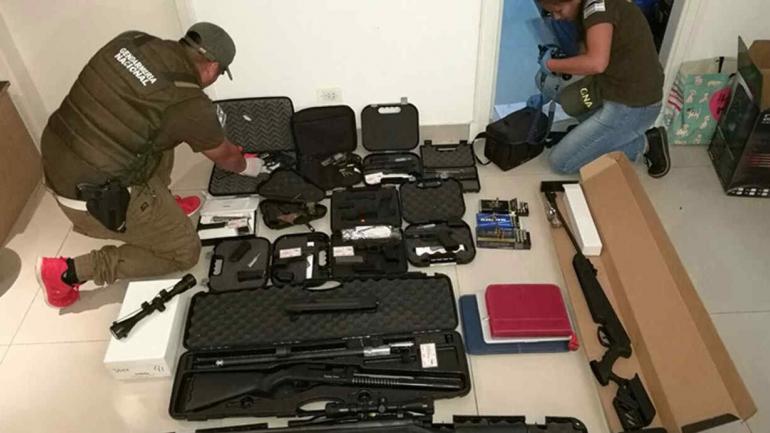 Armas. Otros de los elementos secuestrados durante los operativos. (Ministerio de Seguridad de la Nación)