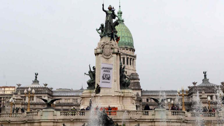 ESTATUA. En Buenos Aires (Martin Katz/Greenpeace).