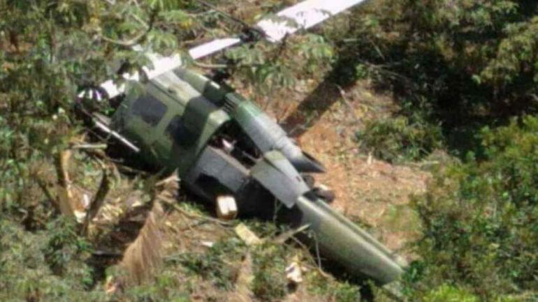 COLOMBIA. Cayó un helicóptero del Ejército (Foto de Twitter).