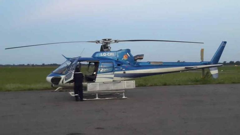 EL HELICÓPTERO ACCIDENTADO. Pertenece a la Dirección General de Aeronáutica de la Provincia (La Voz).