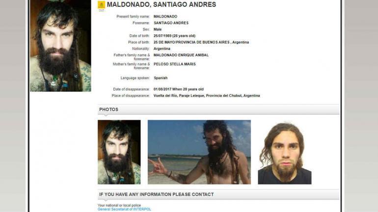 Así figura Santiago Maldonado en la página de Interpol.
