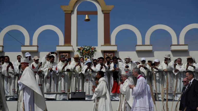 IQUIQUE. El Papa celebra su última misa en Chile (AP).