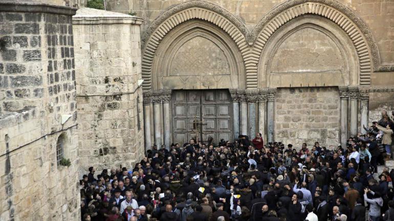 JERUSALÉN. Reabrieron el Santo Sepulcro luego de protesta (AP).
