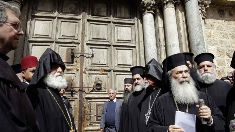 JERUSALÉN. Las puertas del Santo Sepulcro fueron cerradas como forma de protesta a medidas fiscales de Israel (AP).