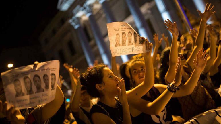 ESPAÑA. La decisión del tribunal genero repudios y manifestaciones (AP).