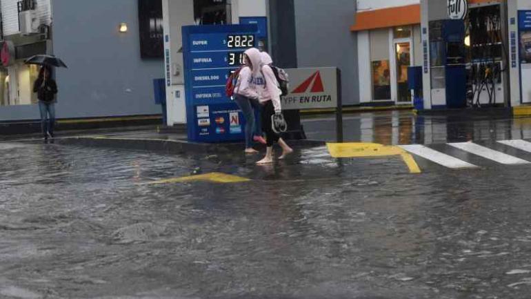 CÓRDOBA. Algunas viviendas se inundaron en la zona norte del Valle de Punilla. (La Voz)