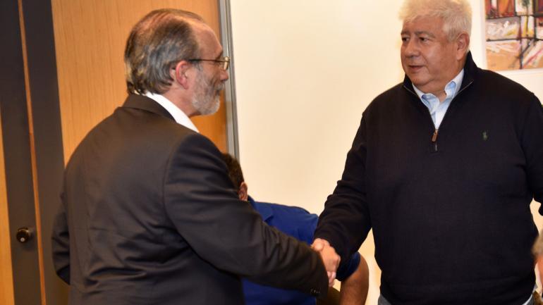Saludo. Fabián López y Gabriel Suárez estuvieron anoche en Voz y voto. Sólo hubo un frío saludo. (Ramiro Pereyra)