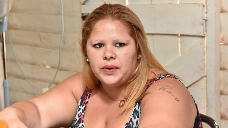 Lorena Ureña, madre de dos hijos, uno de ellos un bebé