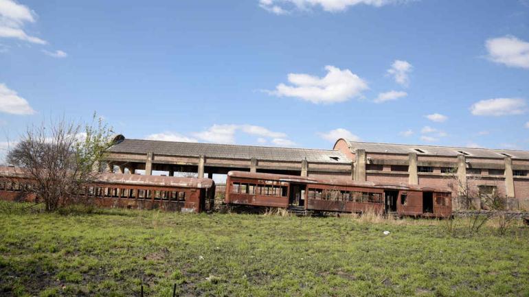 Ex Forja. En estas 35 hectáreas se prevén edificios sobre avenida Del Trabajo y la puesta en valor de numerosos galpones. (Ramiro Pereyra)