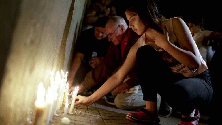 En Rosario hubo muestras de dolor por los fallecidos en Manhattan (AP).