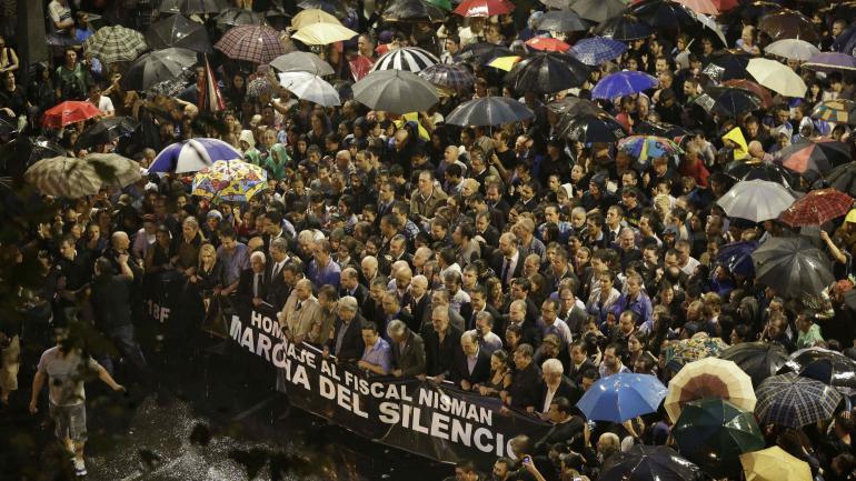 SILENCIO. La marcha en Buenos Aires (AP).