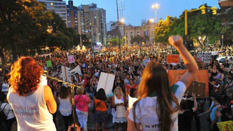 MARCHA. Como todos los 8 de marzo, este jueves se realizará la marcha en reclamo de igualdad de derechos (La Voz / Archivo).