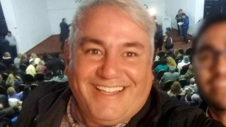 Rafael Medrán, el funcionario echado por la pileta, más complicado ahora por una camioneta que no era propia en el garaje.