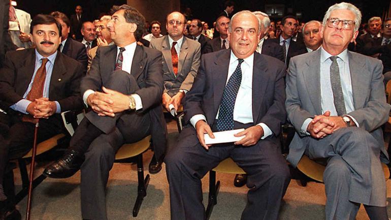 MESTRE. Junto a dirigentes radicales (Archivo).