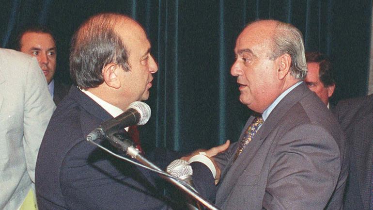MESTRE. Junto a Martí (Archivo).