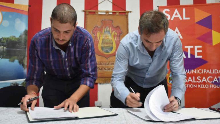 CONVENIOS. Las firmas se realizaron en la sede municipal de Salsacate. (Municipalidad de Córdoba)