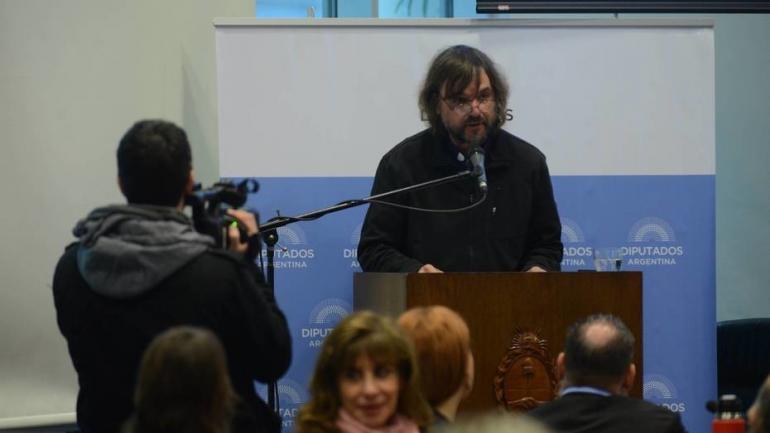 Padre Pepe. El presbítero José Di Paola vinculó el aborto con las recetas del Fondo Monetario Internacional. (Clarín)