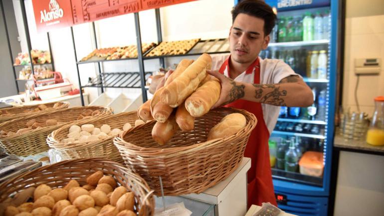El aumento acordado en abril por los panaderos se puede ver en el IPC. El pan y sus derivados subieron 5,5% en Córdoba. En los últimos 12 meses: 25,67%.