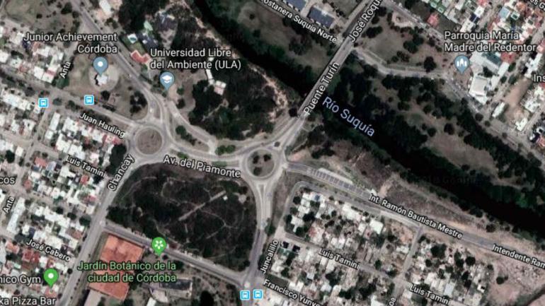 La rotonda está ubicada entre el Botánico y la Universidad Libre del Ambiente, dos creaciones del exintendente.