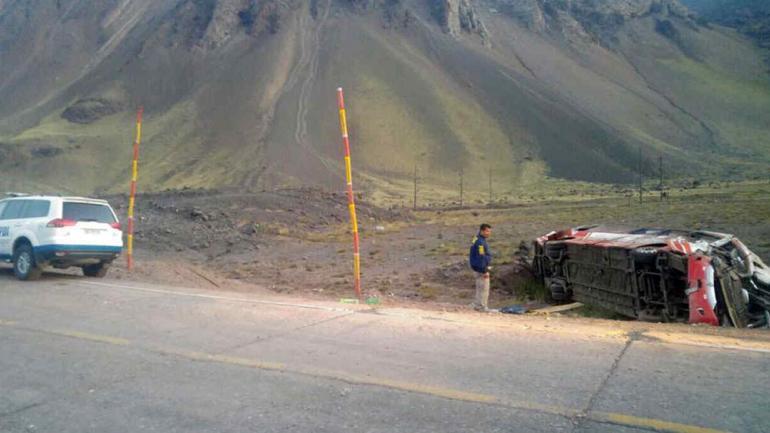 CHOQUE FATAL. El sector donde colisionaron los dos colectivos (Policía de Investigaciones de Chile).