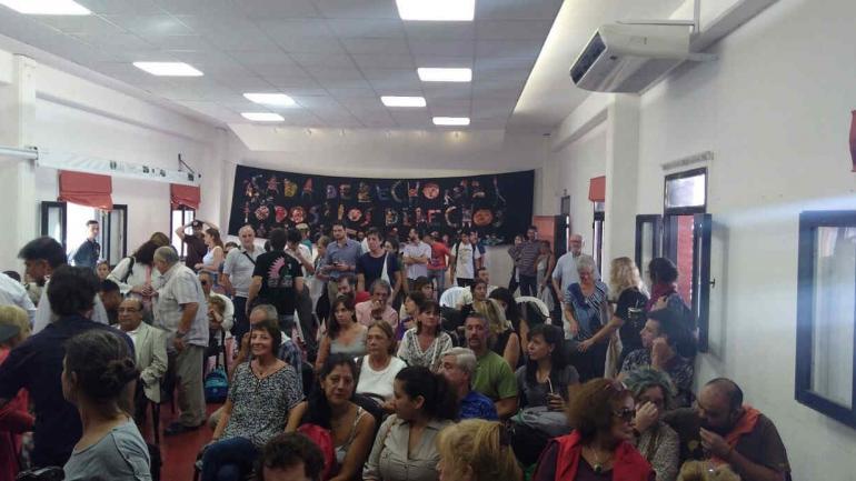 LA PERLA. El acto por el 42° aniversario del golpe de estado de 1976 (Foto de Twitter de @radiolaranchada).