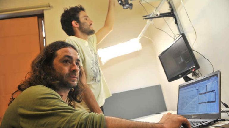 Registro. Marcelo Yornet y Marcos Kary, del Archivo de la Memoria (La Voz/Sergio Cejas).