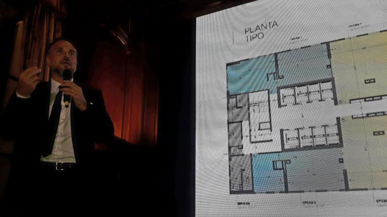 Lanzamiento. Lucas Salim, en la presentación en Buenos Aires. (La Voz)