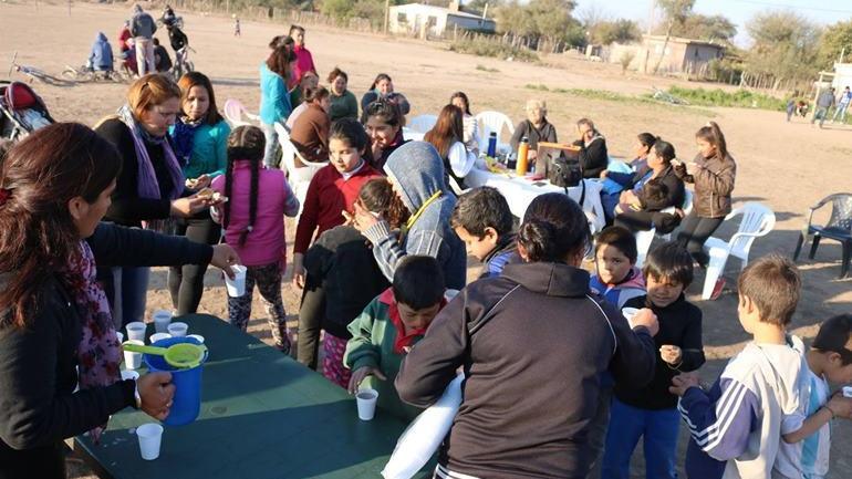 """El proyecto """"Miradas de Mujer"""" buscará avanzar con clases de apoyo escolar, huertas comunitarias y merenderos barriales. (Municipalidad de Serrezuela)"""