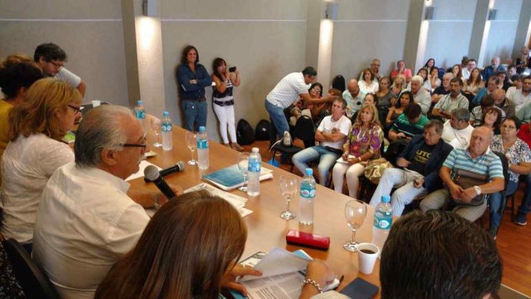 ASAMBLEA DE LA UEPC. Con Monserrat al frente (Raimundo Viñuelas/La Voz).