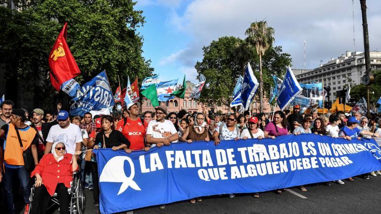 """MANIFESTACIÓN. Madres de Plaza de Mayo celebraron hoy su """"Marcha de la Resistencia"""" anual (Télam)."""