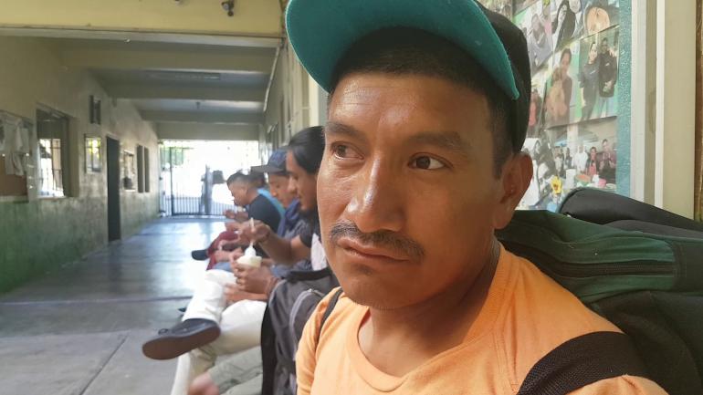 A Raúl lo deportaron tras 7 años en EE.UU. Planea volver a Oaxaca, a ver de nuevo a su esposa e hijo.