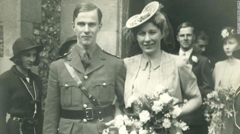 William Frankland en su boda, antes de irse a la guerra.